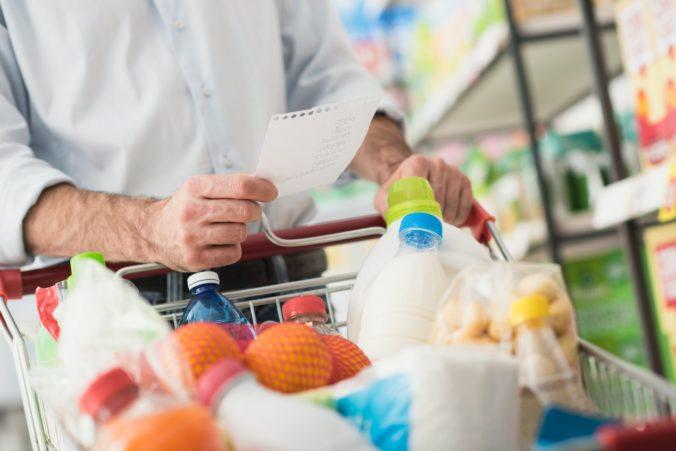 Obchodníci zvyšovali ceny potravín na Slovensku ešte pred osobitným odvodom, tvrdí Matečná