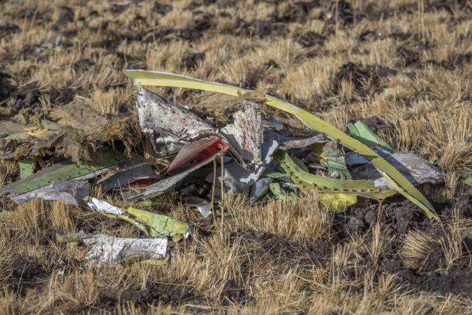 Začali s analýzou dát havárie Ethiopian Airlines, pilot s vystrašeným hlasom žiadal o návrat