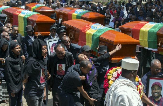 Etiópčania sa zišli na smútočnom obrade za obete leteckého nešťastia Ethiopian Airlines