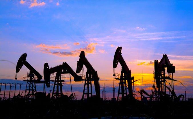 Ľahká americká ropa klesla, naopak ceny drahých kovov zamierili nahor