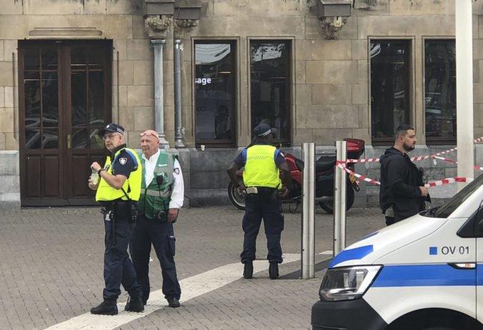 Muž spustil streľbu v električke, z mesta Utrecht hlásia viacero zranených