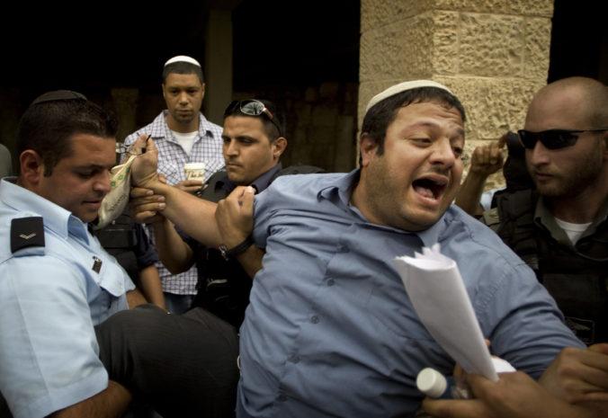 Najvyšší súd v Izraeli zakázal kandidatúru lídra ultranacionalistickej strany vo voľbách