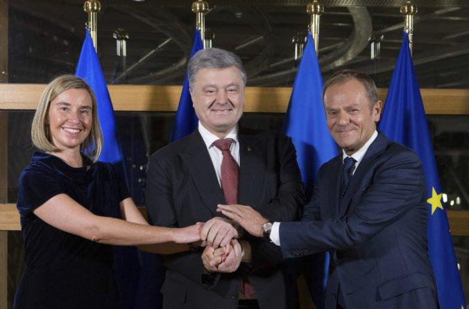NATO aj Európska únia ostro odsúdili anexiu Krymu a skritizovali aj ďalšie kroky Ruska
