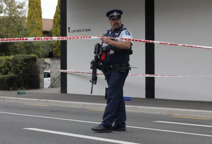Polícia prehľadala v Christchurch niekoľko domov, zrejme patria matke a sestre útočníka