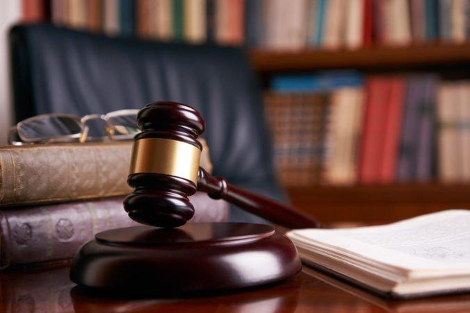 Ministerstvo spravodlivosti v Poľsku chce žalovať sudcov a prokurátorov z komunistickej éry