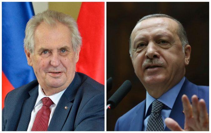 Prezident Zeman nahneval Turecko, označil ho za spojenca Islamského štátu