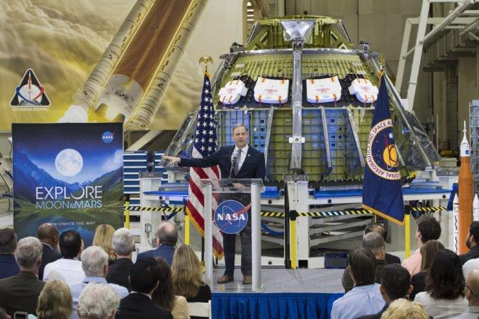 Američania chcú do piatich rokov vyslať človeka na Mesiac