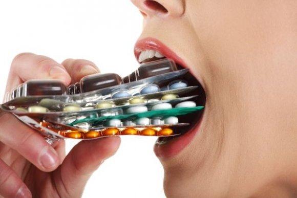 Kontrolóri varujú pred vedľajšími účinkami fluorochinolónových antibiotík