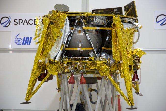 Izraelská vesmírna loď sa dostala na obežnú dráhu Mesiaca, prekonala milióny kilometrov