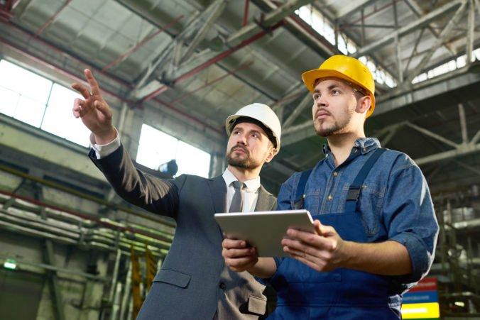 Odborári chcú znížiť rozsah povinných pracovných nadčasov, ale zamestnávatelia sú zásadne proti