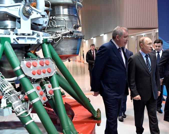 Putin plánuje postaviť v Moskve národné vesmírne centrum, sľubuje viac peňazí na výskum