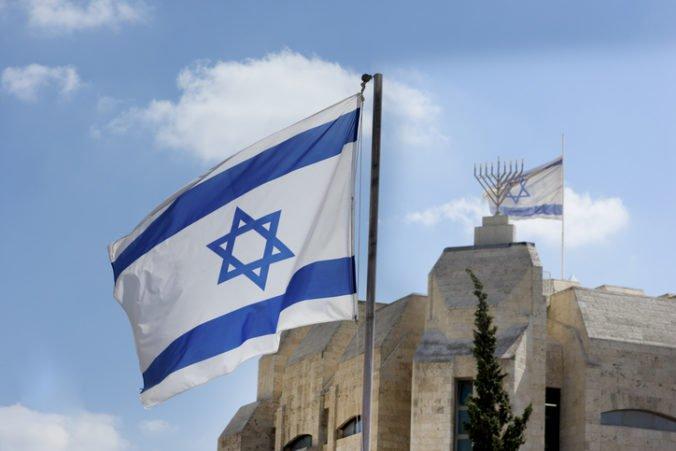 Európska únia vyzvala na obnovenie mierových rokovaní medzi Izraelom a Palestínou
