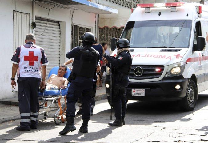 Zo sanitky v Salamance uniesli postreleného muža, záchranári začnú jazdiť s ozbrojeným sprievodom