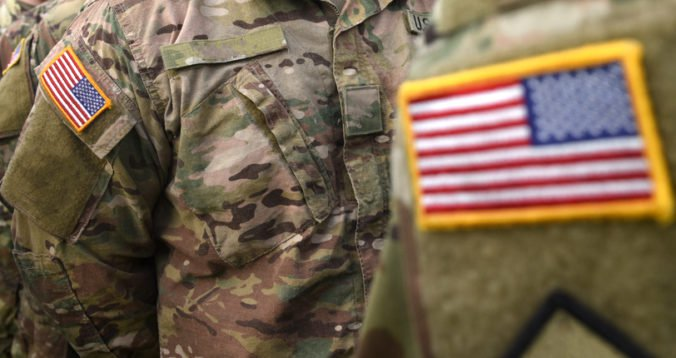 Iránsky zákon označí všetky jednotky USA na Blízkom východe za teroristov