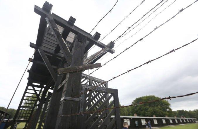 Dozorcu z koncentračného tábora obvinili z 5 230 vrážd, vedel o plynových komorách aj zabíjaní