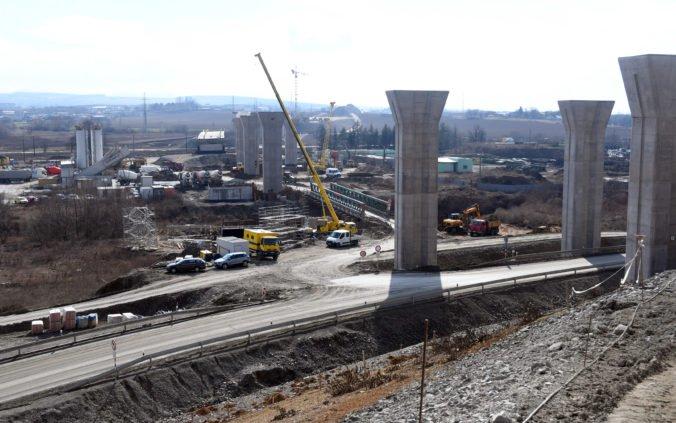 Výstavba diaľnic na Slovensku trvá 50 rokov, ich dokončenie je v nedohľadne