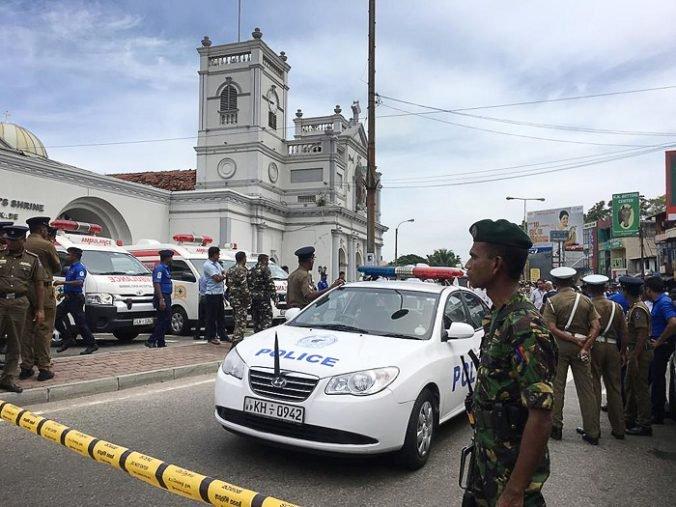 Polícia zatkla otca dvoch útočníkov zo Srí Lanky a prehľadala jeho dom v bohatej štvrti Kolomba