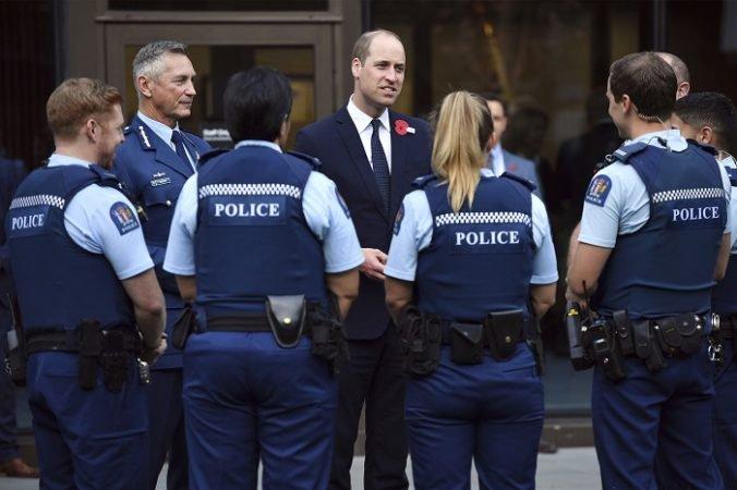 Video: Princ William sa stretol aj so zdravotníkmi, ktorí zasahovali po útoku v Christchurchi