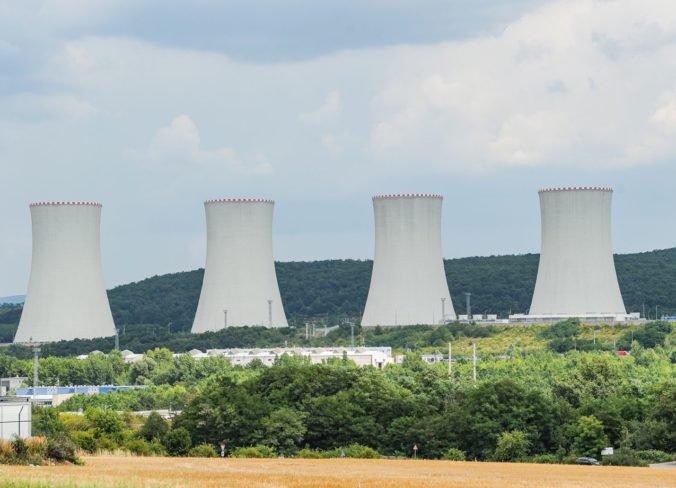 """Niektoré firmy si podľa Pellegriniho robia z dostavby elektrárne v Mochovciach """"nekonečný príbeh"""""""
