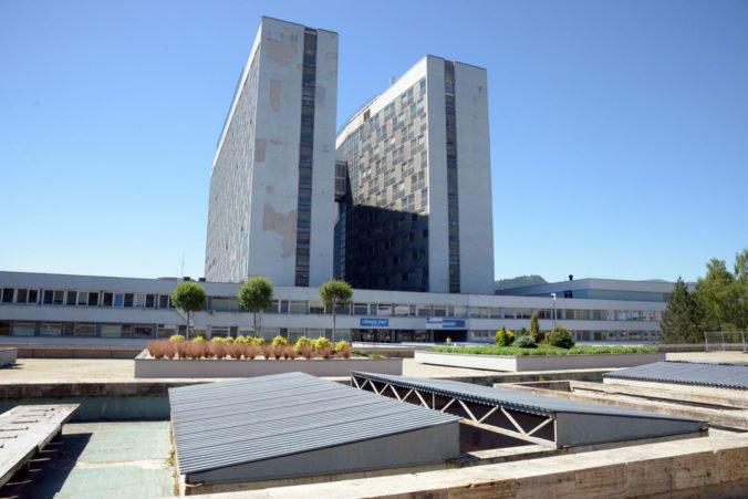 Platy zamestnancov Rooseveltovej nemocnice sa meniť nebudú aj napriek zvýšeným príplatkom