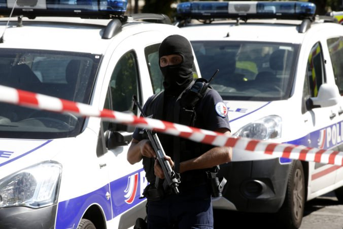 Francúzske mesto Toulouse zažíva rukojemnícku drámu, únosca chce vyjednávať