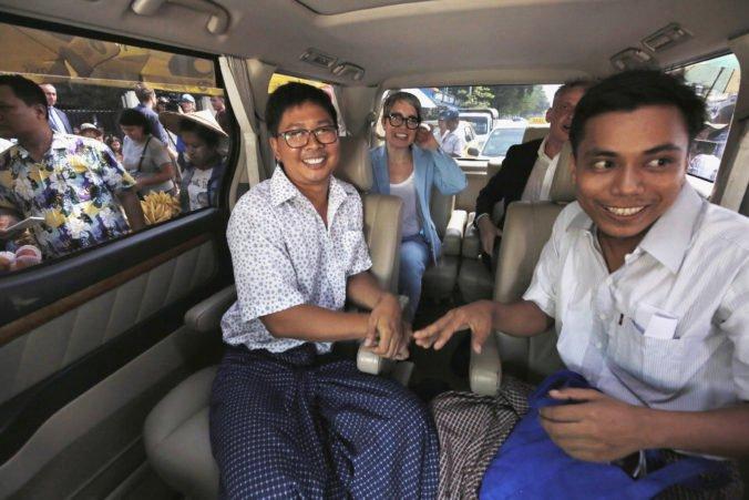 Novinári z Reuters sa dostali na slobodu, mjanmarský prezident podpísal amnestiu pre tisíce väzňov
