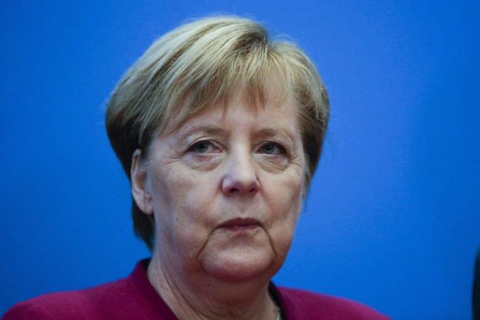 """Pompeo pre """"neodkladné záležitosti"""" zrušil stretnutie s kancelárkou Merkelovou"""
