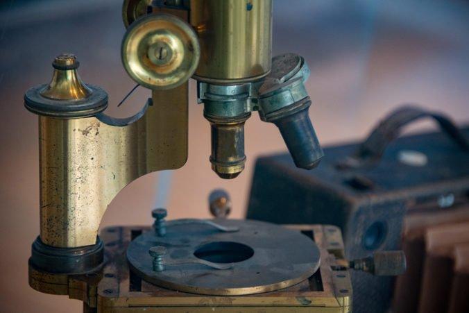 V Cambridgei opäť otvorili vedecké múzeum, jedným z exponátov je aj Darwinov mikroskop