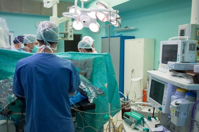 Dlh v zdravotníctve z roka na rok rastie, v mínuse sú najmä univerzitné a fakultné nemocnice