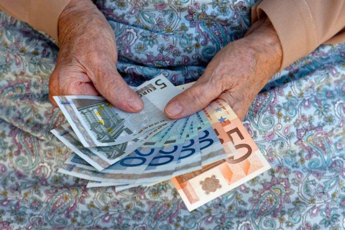 Dôchodky na Slovensku rastú pomaly, môže za to najmä zvyšovanie priemernej mzdy