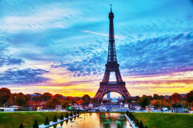 Eiffelova veža v Paríži oslávi 130 rokov, na fasáde budú premietať laserovú šou
