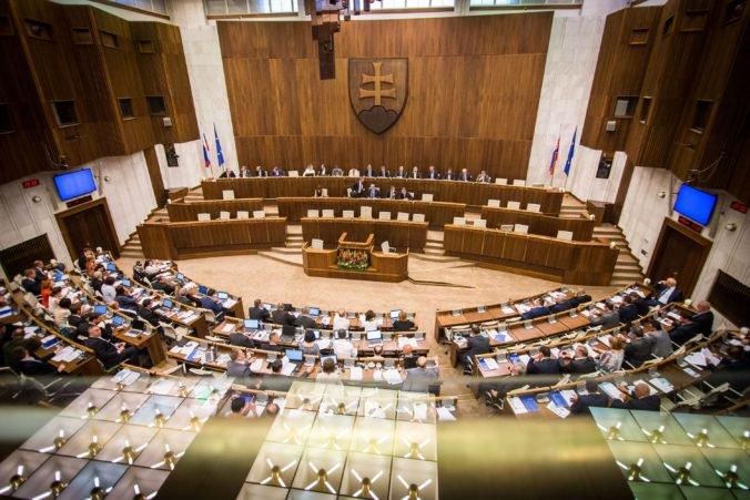 Prírastok majetku politikov nebude kontrolovaný, návrh novely zákona v parlamente neprešiel
