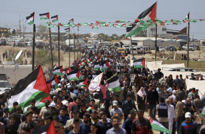 Video: Palestínčania si protestmi pripomenuli masové vysídlenie pri vzniku Izraela
