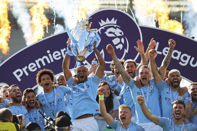Manchester City môže okrem vylúčenia z Ligy majstrov prísť aj o titul v Premier League