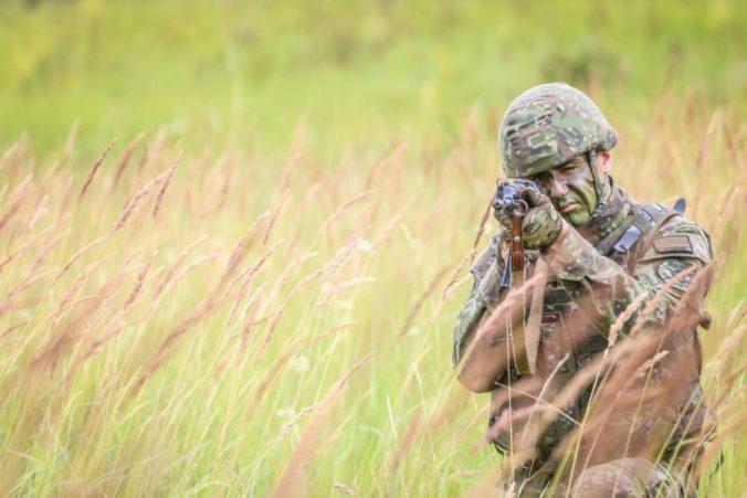 Slovenských vojakov v aktívnej zálohe pribúda, štát ich ročne motivuje stovkami eur