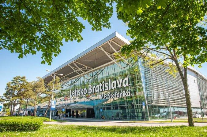 Bratislavské letisko opäť prepisovalo rekordy a medzi tromi najvyužívanejšími linkami je aj Kyjev
