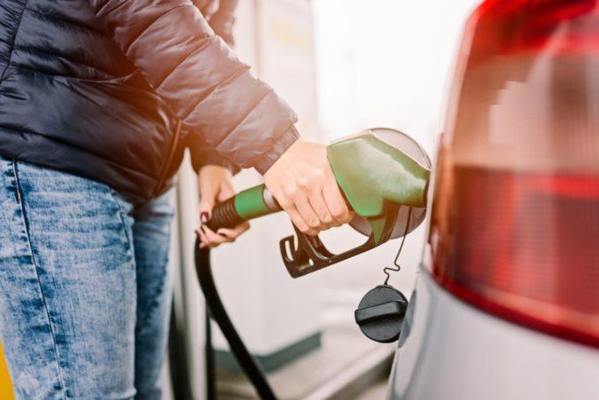 Najpredávanejší benzín na Slovensku zdražel od začiatku roka o 14 percent