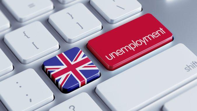 Nezamestnanosť vo Veľkej Británii klesla najnižšie od konca roku 1974