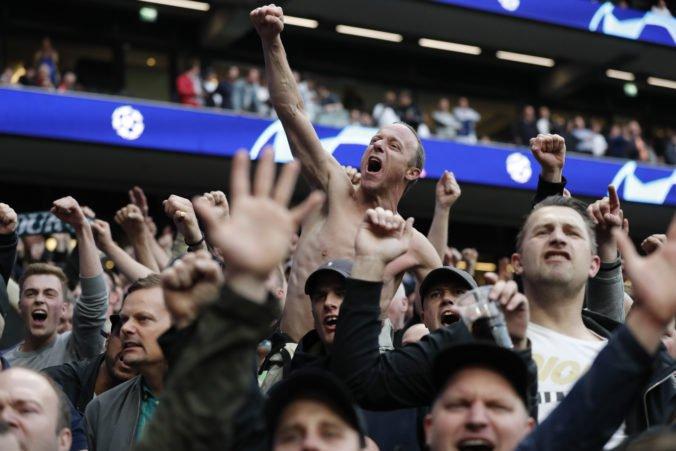 Tottenham kritizuje nízky trest UEFA pre Barcelonu, stewardi mlátili ich fanúšikov