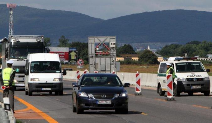 Národná diaľničná spoločnosť upozorňuje na dopravné obmedzenia, spomalia vodičov pri Triblavine