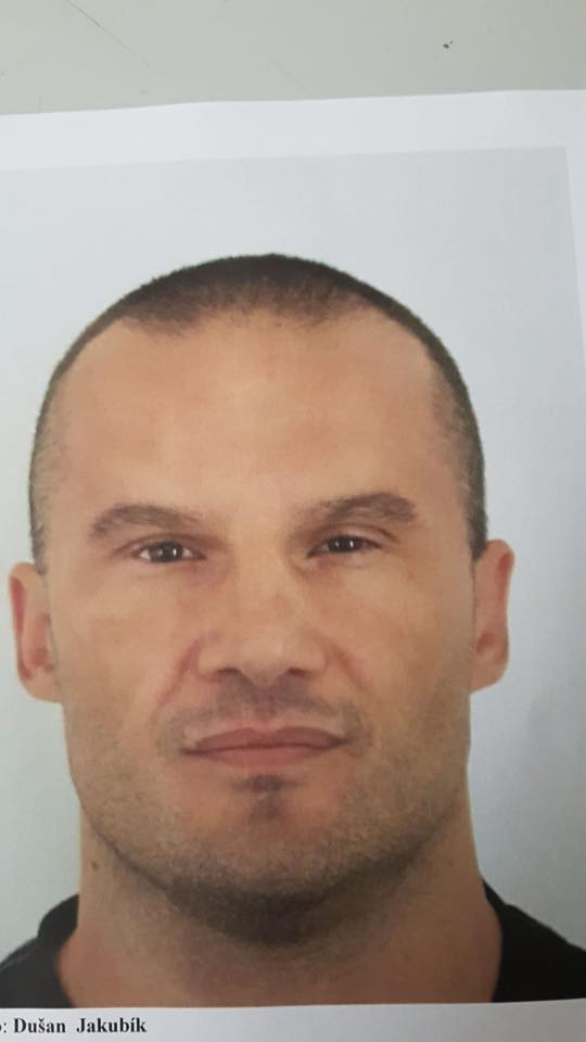 Polícia pátra po Dušanovi z Petržalky, nebezpečný muž je ozbrojený