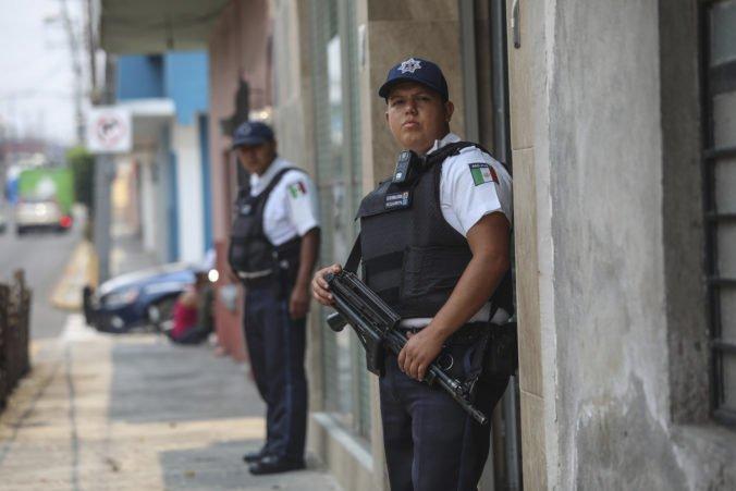 V Mexiku oslobodili unesených migrantov, jednému z nich sa podarilo zatelefonovať na políciu