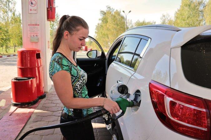 Slováci opäť platia za benzín a naftu viac, zvýšila sa aj cena LPG