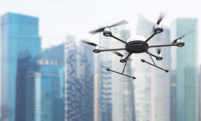 NASA testuje riadenie dronov v mestách, mohli by doručovať pizzu aj lieky