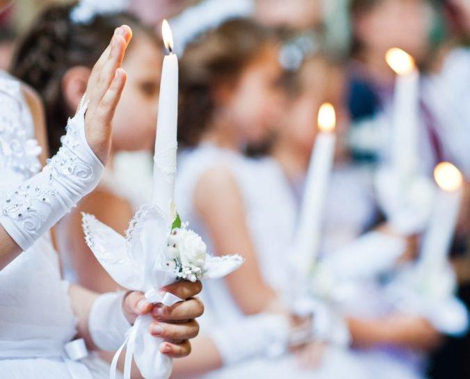 NAKA vyšetruje prvé sväté prijímanie, pri incidente s rómskym dievčaťom boli aj Viskupič a Matovič