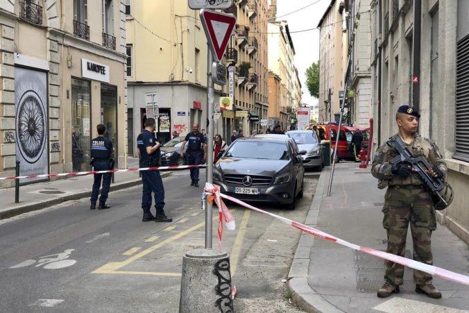 Polícia zatkla troch ľudí podozrivých z výbuchu v Lyone, prípad vyšetrujú ako teroristický čin