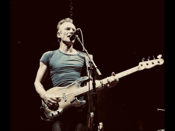 Štúdiové verzie známych hitov v novom šate aj nahrávky z live vystúpení, Sting vydal album 'My Songs'