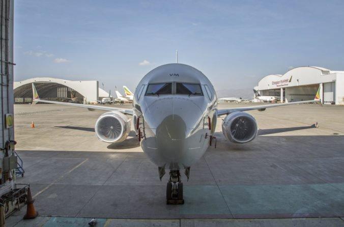 Boeing 737 Max sa nebude používať minimálne do augusta, pracuje sa na zmenách softvéru