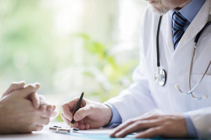 Situácia v zdravotníctve je alarmujúca, podľa komory môžu lekári prísť o dôveru pacientov