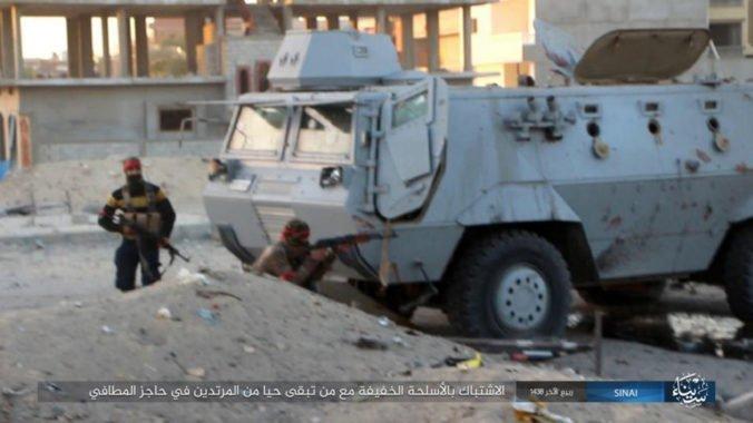 Islamskí militanti zaútočili na policajné stanovište na Sinaji, zabili dôstojníkov aj brancov